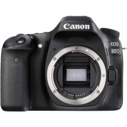 Canon EOS 80D + 18-55mm f/4-5,6 IS STM